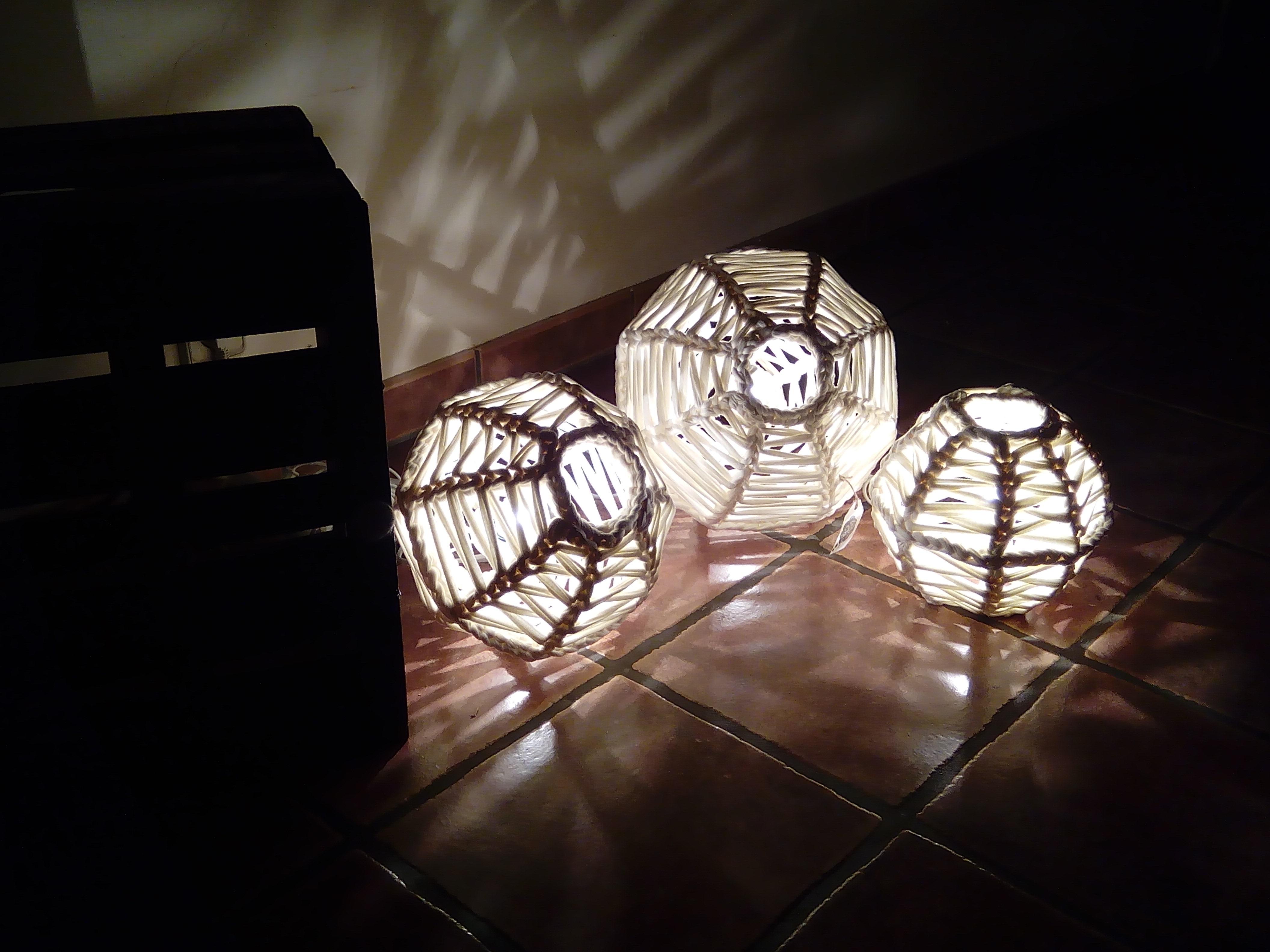 Lámparas esféricas de trapillo